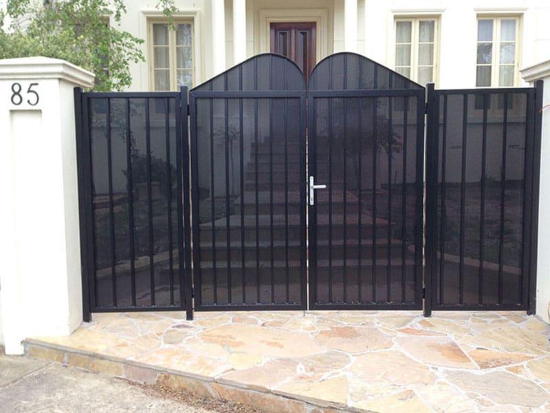 Melbourne-house-gates