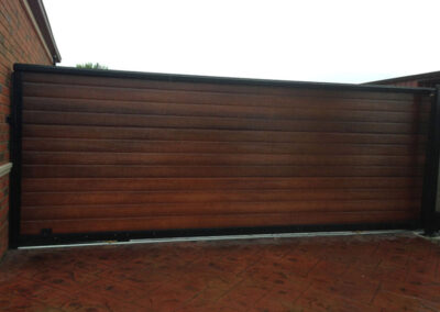 wooden-driveway-gates-melbourne